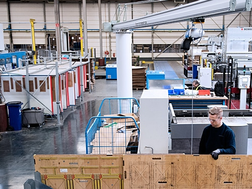 Automatic-cutting-die-handling-moving